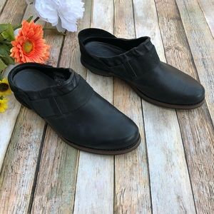 Patagonia soft black leather mules size 7